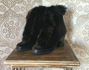 Vintage 1940's 50's Dark Chocolate Brown Velvet Shoe Cover Boots Trimmed in Rabbit Fur Size 7