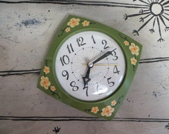 Vintage Wall Clock Westclox Green Wall Clock Retro Wall Clock Hanging Clock Electric Clock Chef Clock White Clock