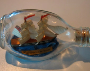 Ship in a Bottle TRAVELLER OF BERMUDA Small Dimple Bottle