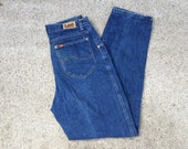 Medium/ dark blue Lee 80s vintage denim womens mom jeans size medium 30in waist