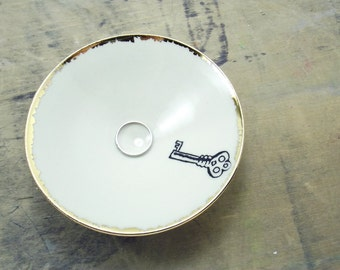 One White Key Porcelain Tiny Bowl-Key to My Heart,Gold & White, Ring Dish, Wedding Gift, Jewelry Storage