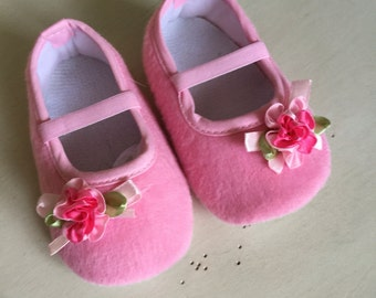 Baby Girl  pink Crib shoes , soft sole infants shoes baby shoes
