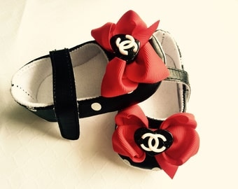 Polka dots black bow heart baby girl crib shoes, ibaby shoes ,Ready to ship.