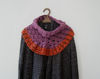 Boho Crochet Capelet, Women Capelet Purple Orange, Knit Fashion Cowl, Knitted Cape Scarf Outlander, Short Shawl Knit, 2 Colors Knit Collar