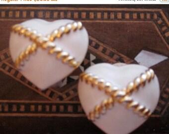 Heart Earring / Anne Klein / Anne Klein Jewelry / Enamel Jewelry / 80s Earring / Enamel Earring / Clip On Earring / Cream / Designer Jewelr