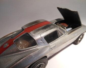 Classicwrecks, Rusted Wreck ,Scale Model, Silver Corvette Car,Junk Yard