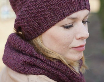 Women set Scarf cowl and hat wool vine