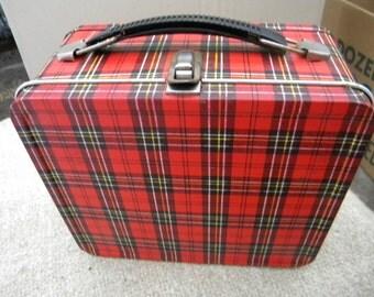 good shape vintage 1960s metal ALADDIN PLAID LUNCH box
