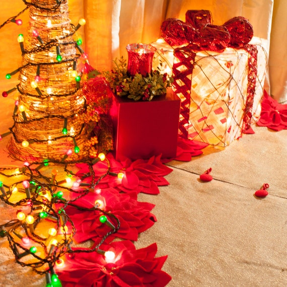 Burlap And Red Christmas Tree: SALE 60 Burlap Christmas Tree Skirt With Gold Threads