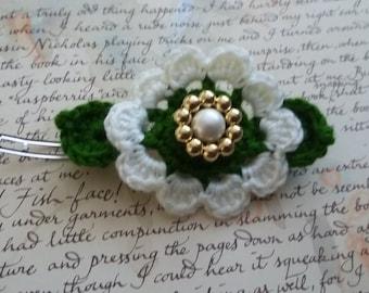 White Crochet Flower Hair Clip. Handmade Crochet Flower Hair Clip.