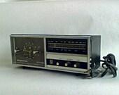 Vintage Magnavox Clock Radio