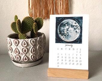 2016 Calendar - Illustrated wall or desktop 12 month calendar