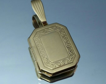 Vintage 14K Decorative Photo Locket Necklace