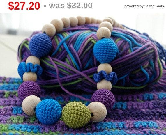 Christmas gift idee Multicolor necklace. Teething, breastfeeding mummy necklace.