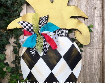 Summer Door Hanger, Large Pineapple With Black and White Checker Bright Ribbon and Gold Leaves Door Hanger,Summer Wreath