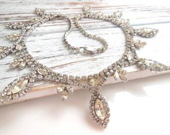 Amazing Clear Crystal Rhinestone Silver Tone Fringe Bib Statement Necklace SS35
