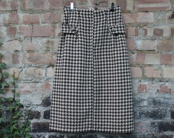1950s style wiggle dogtooth wool skirt