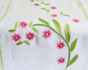 "Linen table runner with embroidery in pink and green, vintage Swedish linen, hand embroidered tablerunner, satin stitch, 9 "" x 20 """