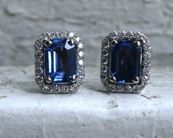 Vintage Diamond Halo and Sapphire Stud Earrings in 18K White Gold - 2.98ct.