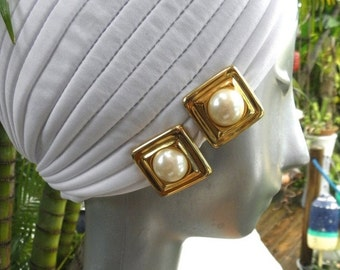 15% OFF Gorgeous Gold Square Framed Vintage Pearl Earrings, 1980's, Goldtone, Clip