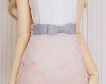 Grosgrain ribbon bow belt for SD girls . Lilac mist colour with silver sparkle elastic back