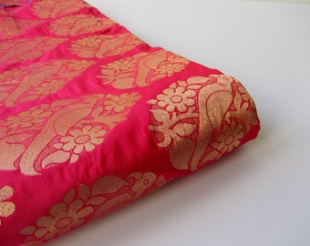 Fuchsia pink parrot gold flowers silk brocade fabric nr 716 - 1/4 yard | fat quarter