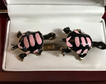 Rare Original Vintage SWANK Fashion Tones Turtle Cufflink Set