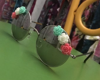 Who's That Girl Groovy Sunglasses Flowers NOT glued on Ditzy Daisy Sunglasses