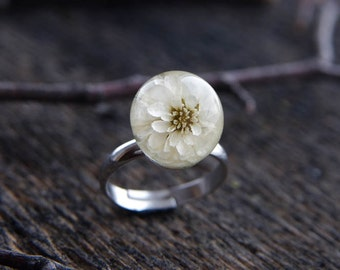 Real flower ring - resin ring with real white dried flowers - beautiful nature jewelry