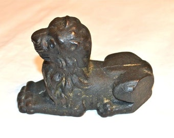 Antique Lion Doorstop Paperweight Marked Crest 88