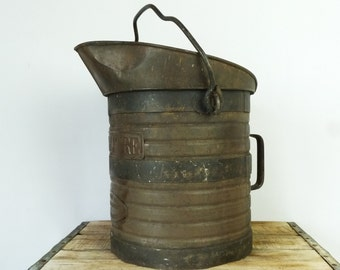 Antique Metal Measuring Can...Decalitre Measuring Pitcher.