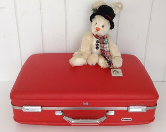 Vintage Red American Tourister Suitcase / Luggage, with a beautiful light gold Interior