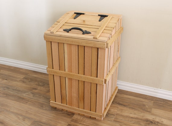 Wood trash can cover kitchen trash can garbage by for Poubelle en bois cuisine