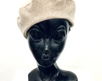 50% OFF CLEARANCE-Recycled Cashmere Reversible Beret: Off White & Tan