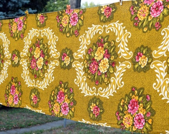 Vintage Fabric, Mid Century Floral Fabric Remnant, Retro Rayon Mix Floral Fabric, Vintage Floral Cloth, Vintage Tablecloth, Floral Fabric