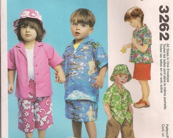 McCall's Sewing Pattern 3262 - Toddler's Shirt, Pull-On Capris, Shorts, and Hat (1-4)