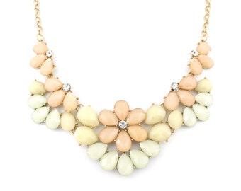 Elegant Pretty Gold-tone Light Pink Flowers Statement Necklace,A15