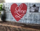 Rustic Love Sign - Pallet Art - Clip Frame -  Love Pallet Sign - Reclaimed Wood Sign - Wood Plank Sign
