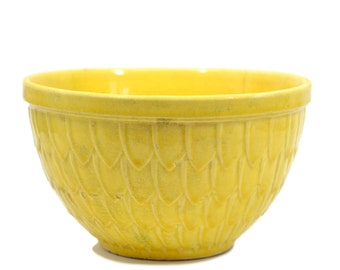 McCoy Yellow Fish Scale - Feather Pattern Mixing Bowl