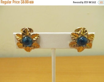 On Sale Vintage Gold Tone and Teal Floral Earrings Item K # 1894
