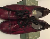 1950s Vintage Women's OXFORD Shoes Red & Black LEATHER New Old Stock