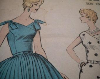 Vintage 1950's Advance 9362 Dress Sewing Pattern, Size 10 Bust 31