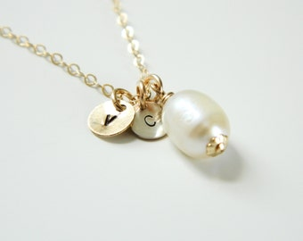 Personalized Initial Pearl Necklace, Gifts for Mom, Charm Necklace, Pearl Necklace, Initial Pearl Necklace