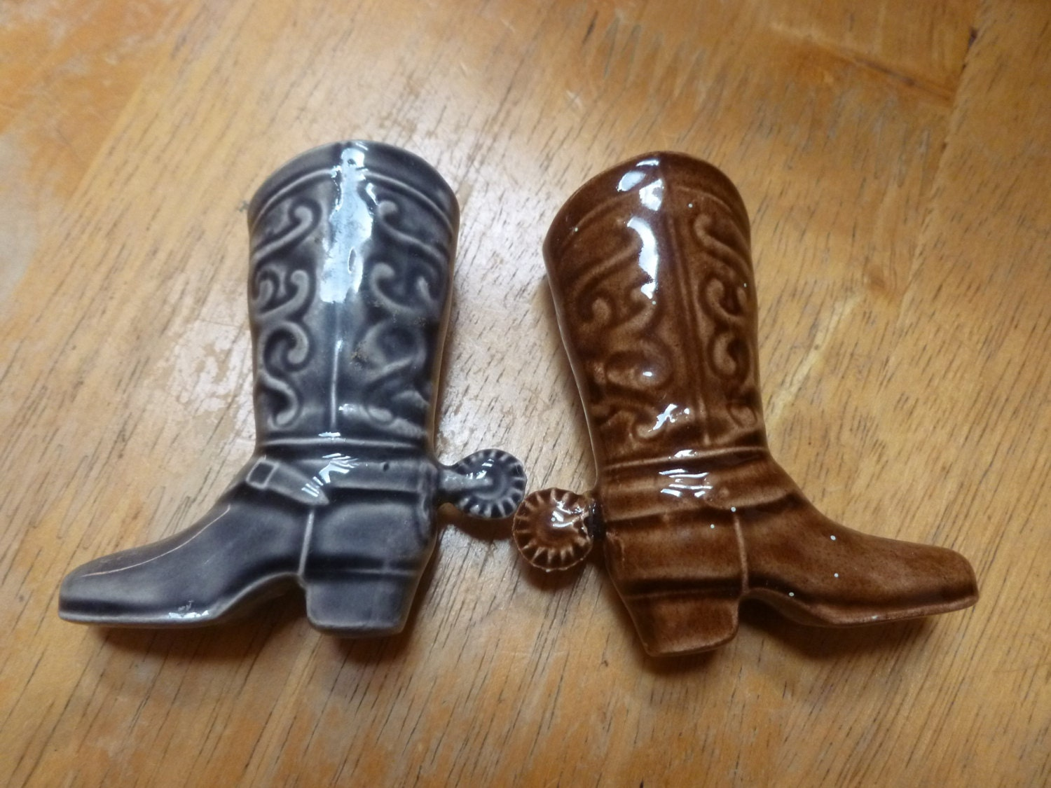 pottery cowboy boots with spurs sales sle
