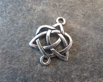 5 Celtic Knot Jewelry Bracelet Connectors Heart Shaped with Trinity Knot Triquetra Small 24x19mm Note Size