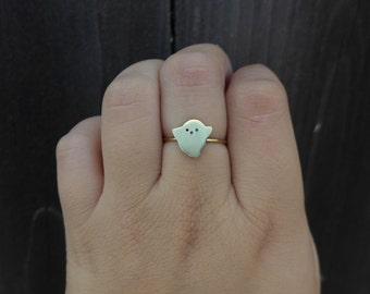 Tiny Ghost Ring