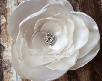 Ivory Satin Hair Flower / Ivory Flower Broach / Flower Facinator / Bridal Hair Comb / Bridal Hair Flower