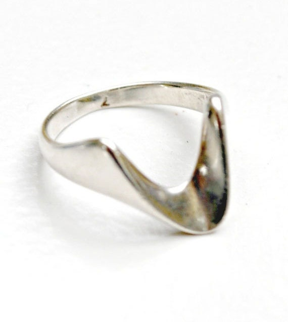 Sterling Wave Ring - Silver Abstract Modern - size 7