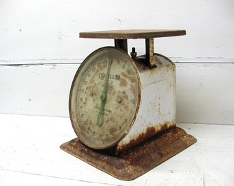 Vintage Scale Great Patina Shabby Grungy Rusty Primitive Kitchen General Store Good Glass