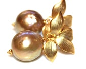 Large Golden Baroque Pearl Bridal Earring Classic Pearl Wedding Earring Bridesmaid Jewelry Iridescent Pearl Earring Large Pearl Earring
